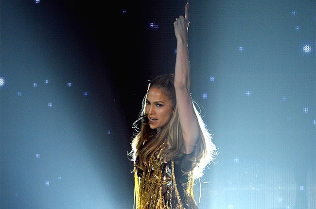 Jennifer Lopez performs at the 2014 Billboard Music Awards
