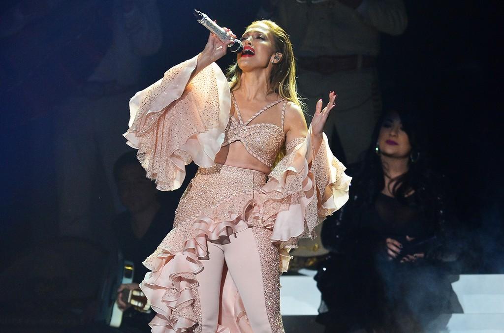 Jennifer Lopez performs at the 2015 Billboard Latin Music Awards