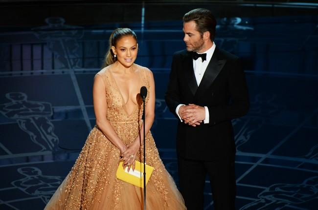 Jennifer Lopez and Chris Pine Oscars 2015