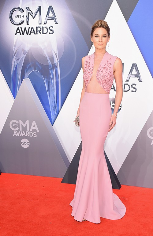 Jennifer Nettles attends the 49th annual CMA Awards