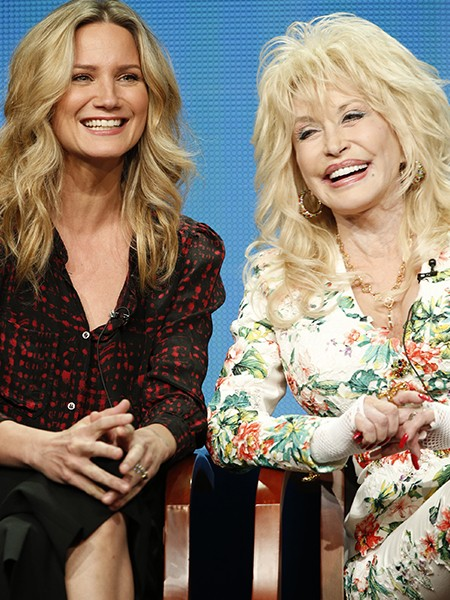 Jennifer Nettles and Dolly Parton 2015