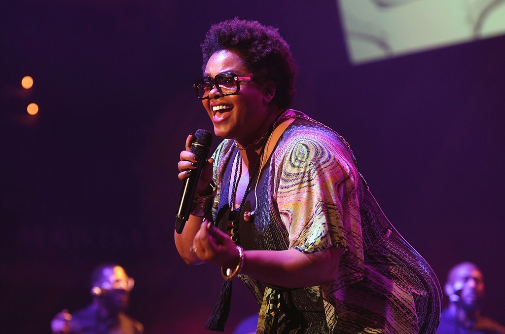 Jill Scott performs onstage during 2016 Soul Train Music Awards - Soul Train Music Fest on November 4, 2016 in Las Vegas, Nevada.  (Photo by Paras Griffin/BET/Getty Images for BET)