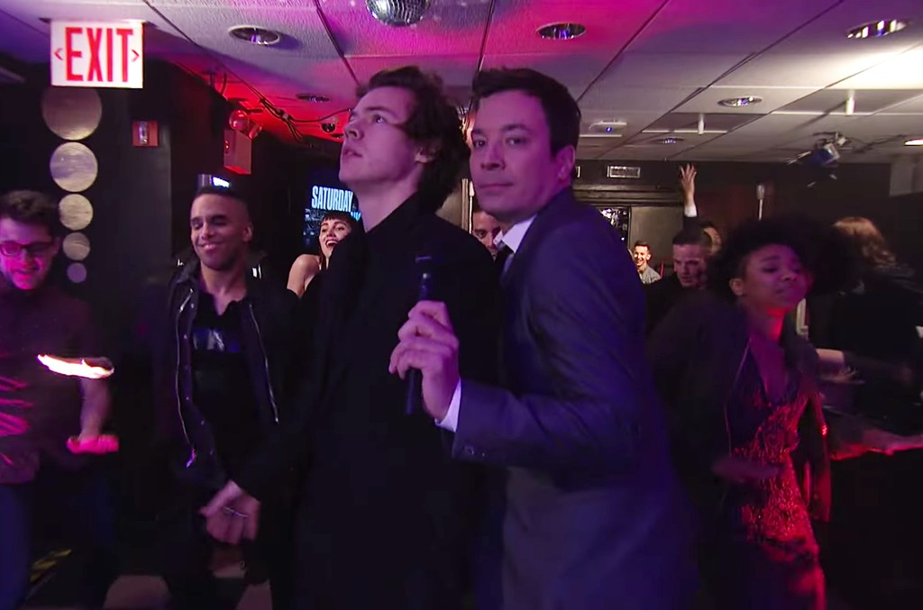 """Jimmy Fallon and Harry Styles during the """"Let's Dance"""" monologue on 'Saturday Night Live' on April 15, 2017."""