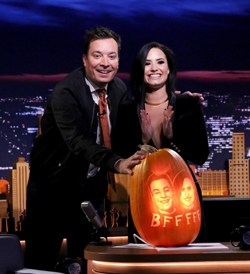 Jimmy Fallon and singer Demi Lovato on October 30, 2015.