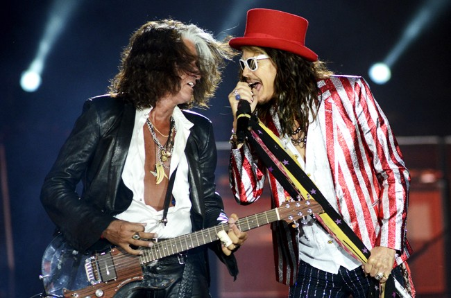 Aerosmith S Joe Perry Refutes Deflategate Says Tom Brady Is Best Quarterback In The League Billboard He played for the san francisco 49ers from 1948 to 1960, the baltimore colts from 1961 to 1962. joe perry refutes deflategate