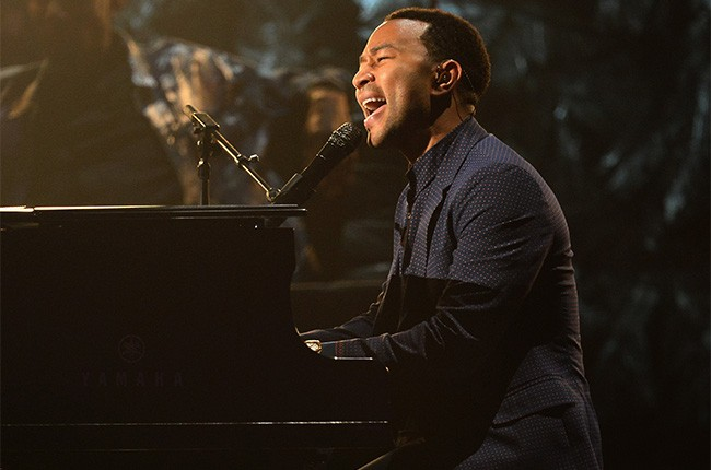 John Legend performs at the 2014 Billboard Music Awards