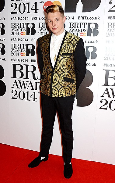 john-newman-brit-awards-red-carpet-2014-600