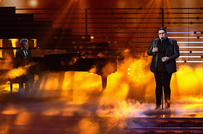 Jordan Smith performs during the People's Choice Awards