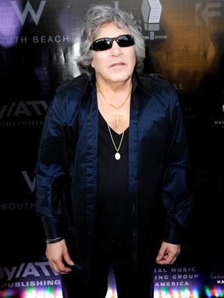 jose-feliciano-latin-hall-of-fame-red-carpet-430