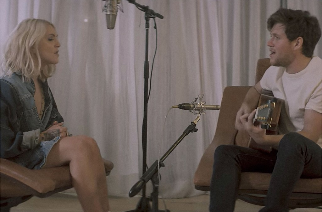 "Julia Michaels & Niall Horan, ""What a Time"" (Acoustic)"