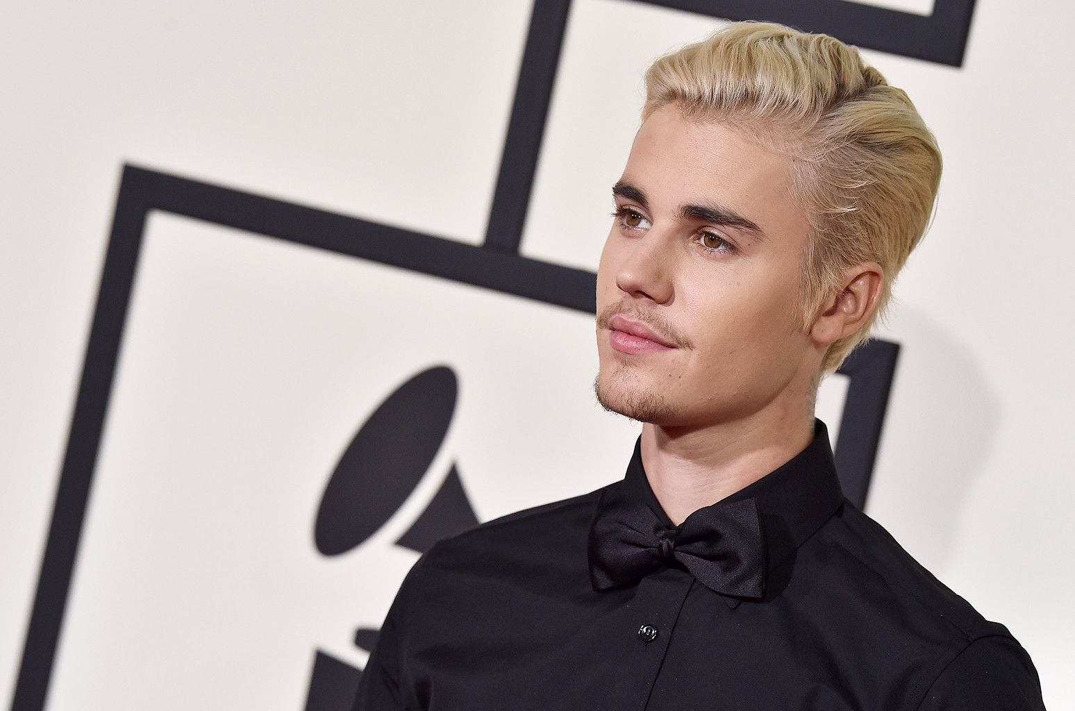 Justin Bieber arrives at The 58th Grammy Awards
