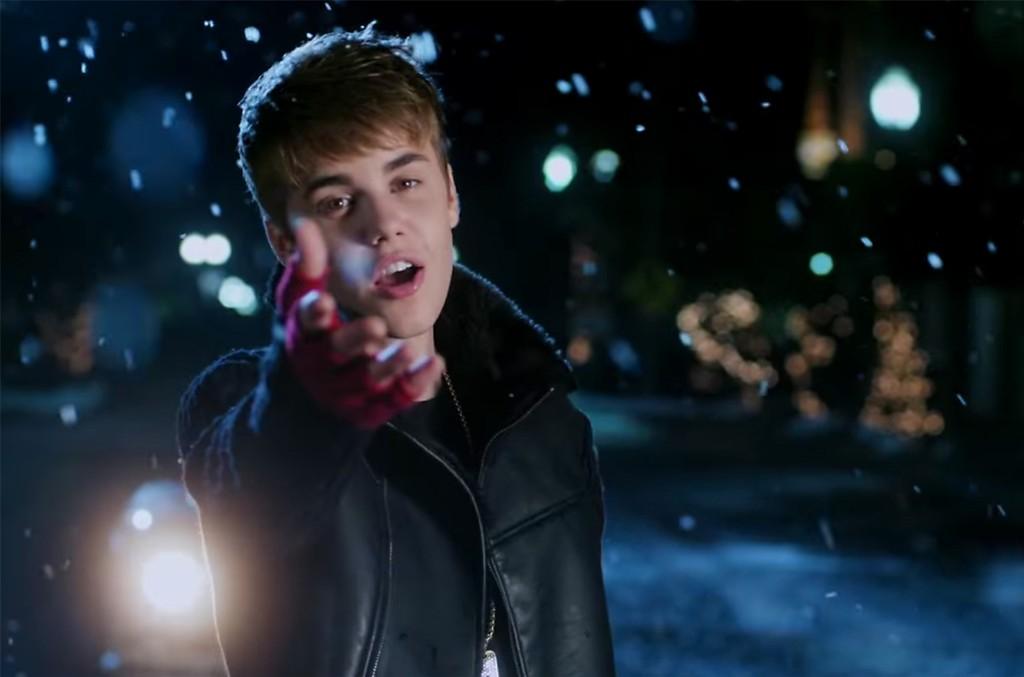"Justin Bieber, ""Mistletoe"""