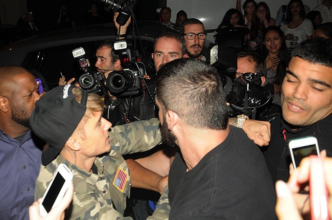 Justin Bieber punched a paparazzi