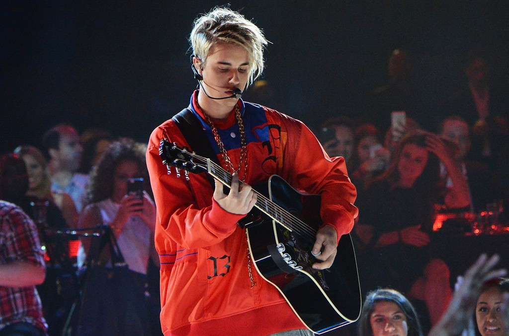 Justin Bieber performs onstage at the iHeartRadio Music Awards