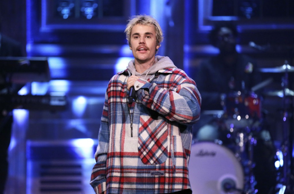 Justin Bieber & Quavo Happily Bounce Through 'Intentions' on 'The Tonight Show': Watch