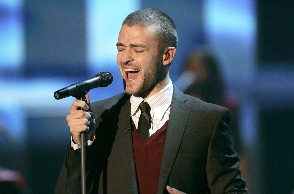 Justin Timberlake performs in 2006