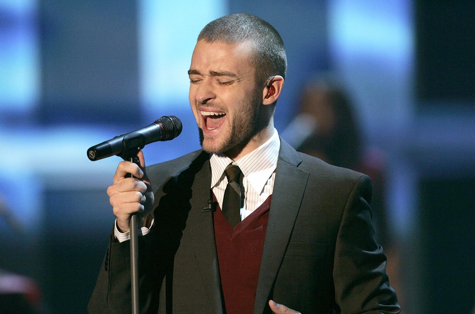 Justin Timberlake performs in 2006