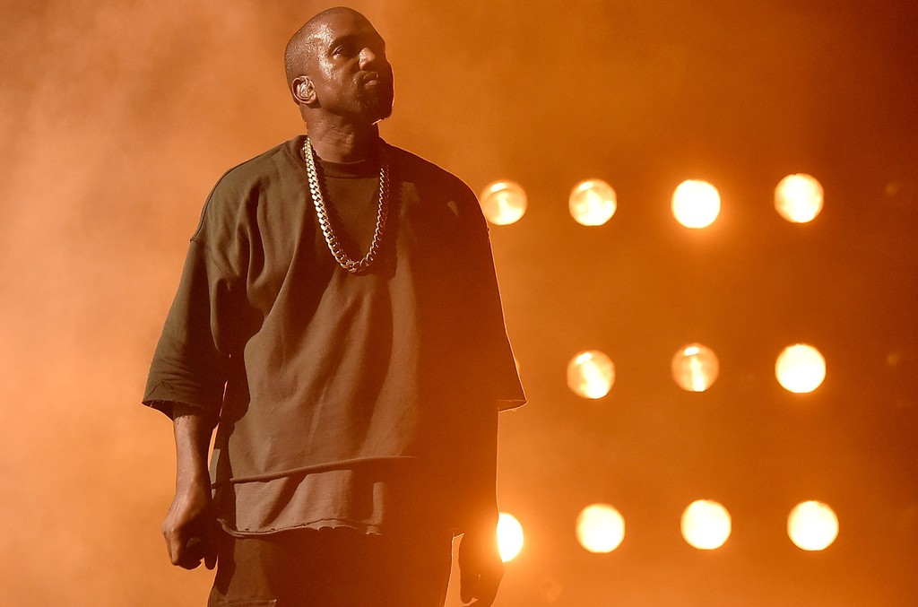 Kanye West performs in 2015