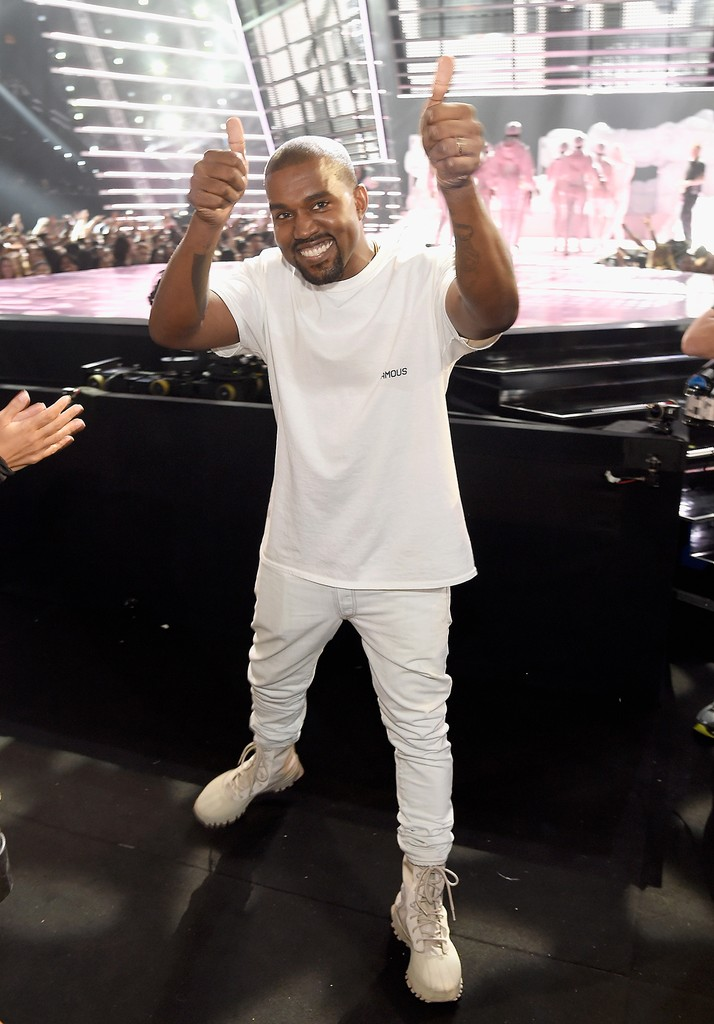 Kanye West gives a thumbs up during the 2016 MTV Video Music Awards