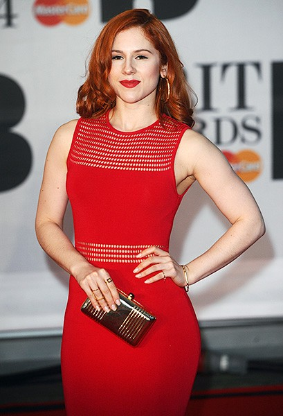 katy-b-awards-red-carpet-2014-600