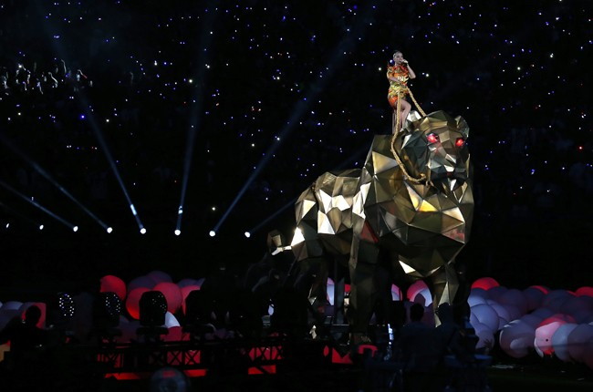 katy-perry-03-super-bowl-halftime-xlix-2015-billboard-650