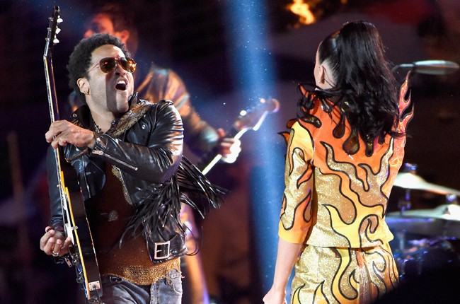 katy-perry-04-lenny-kravitz-super-bowl-halftime-xlix-2015-billboard-650
