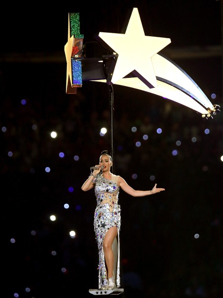 katy-perry-08-super-bowl-halftime-xlix-2015-billboard-450