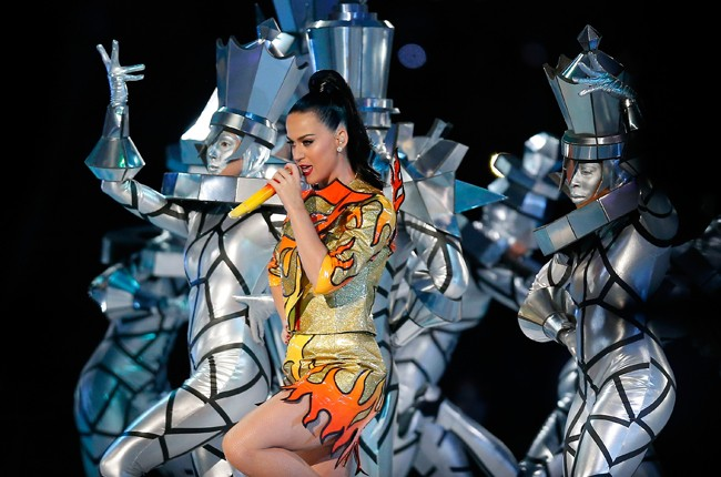 katy-perry-13-super-bowl-halftime-xlix-2015-billboard-650