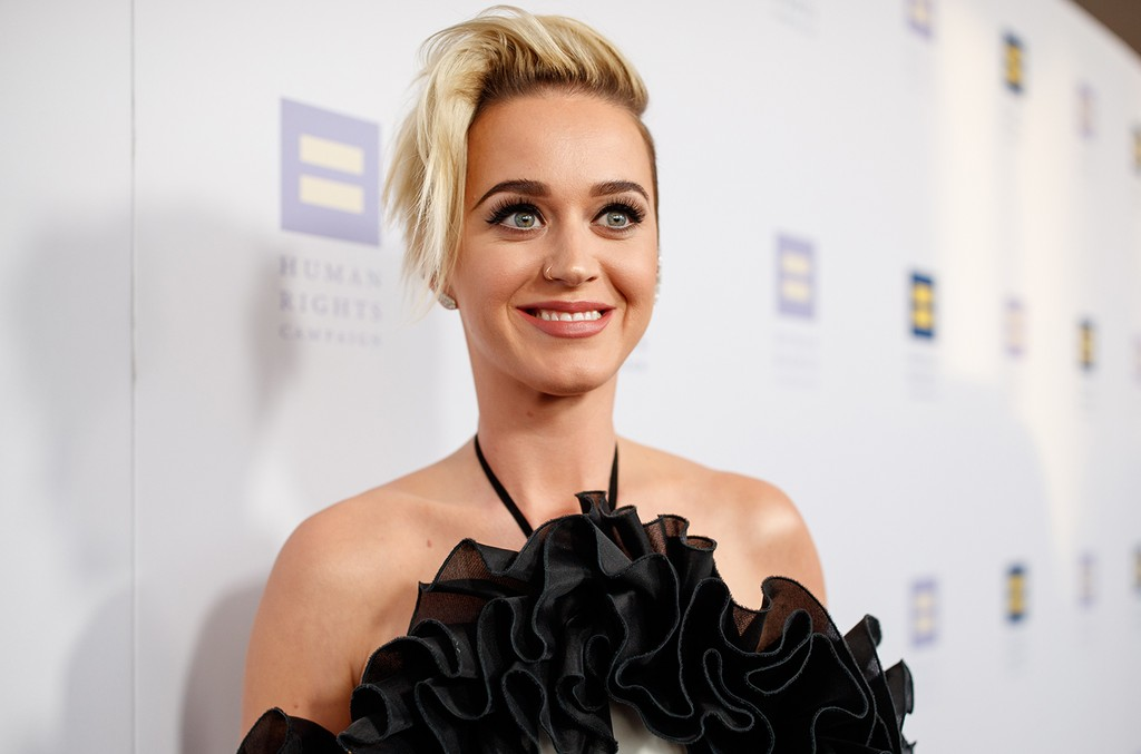 Katy Perry arrives to The Human Rights Campaign 2017 Los Angeles Gala Dinner at JW Marriott Los Angeles at L.A. LIVE on March 18, 2017 in Los Angeles.