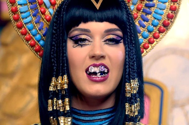 katy-perry-dark-horse-preview-650-430