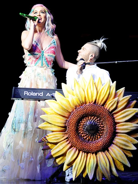 Katy Perry and Ferras performing