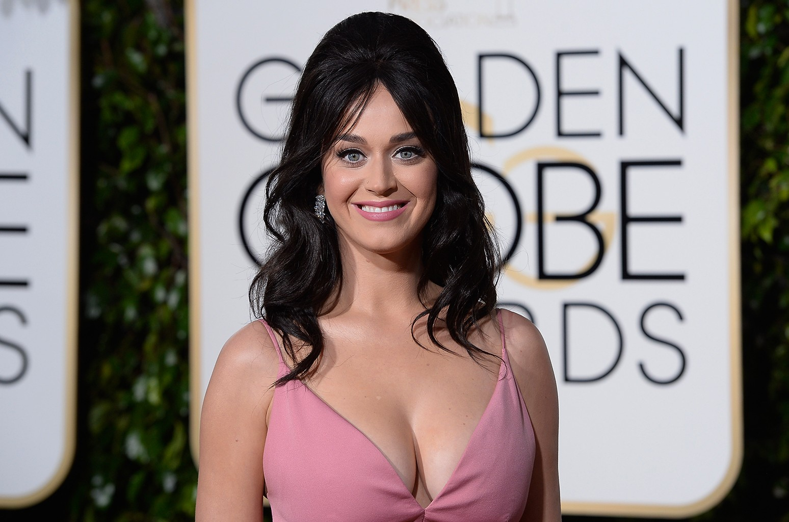 Katy Perry arrives to the 73rd Annual Golden Globe Awards