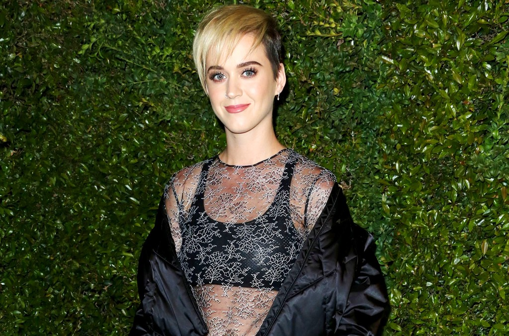 Katy Perry attends Chanel Dinner in Celebration of the Gabrielle Bag on April 6, 2017 in Los Angeles.