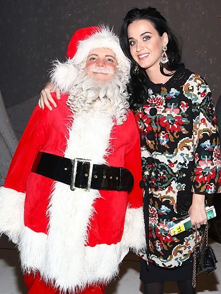 katy-perry-with-santa-billboard-450
