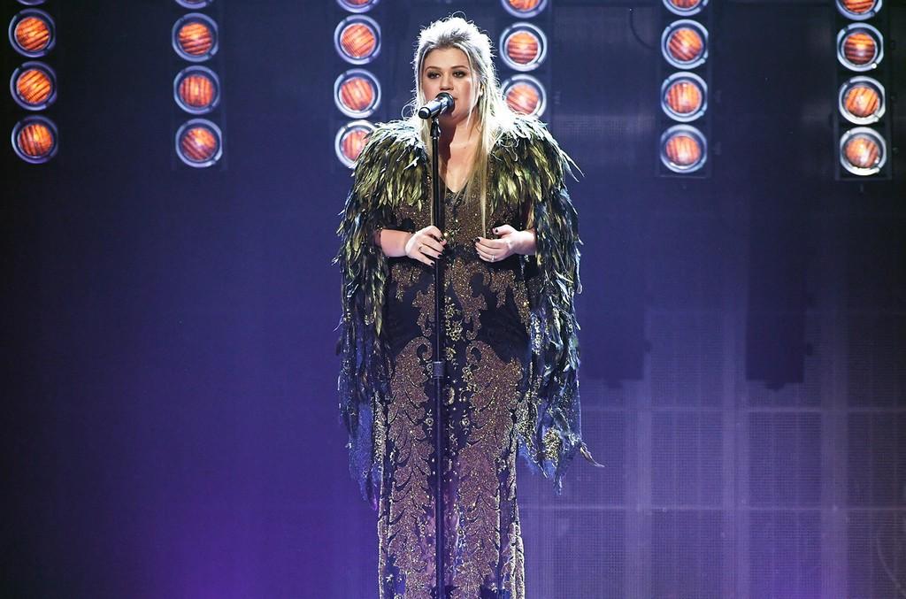 Kelly Clarkson, 2017