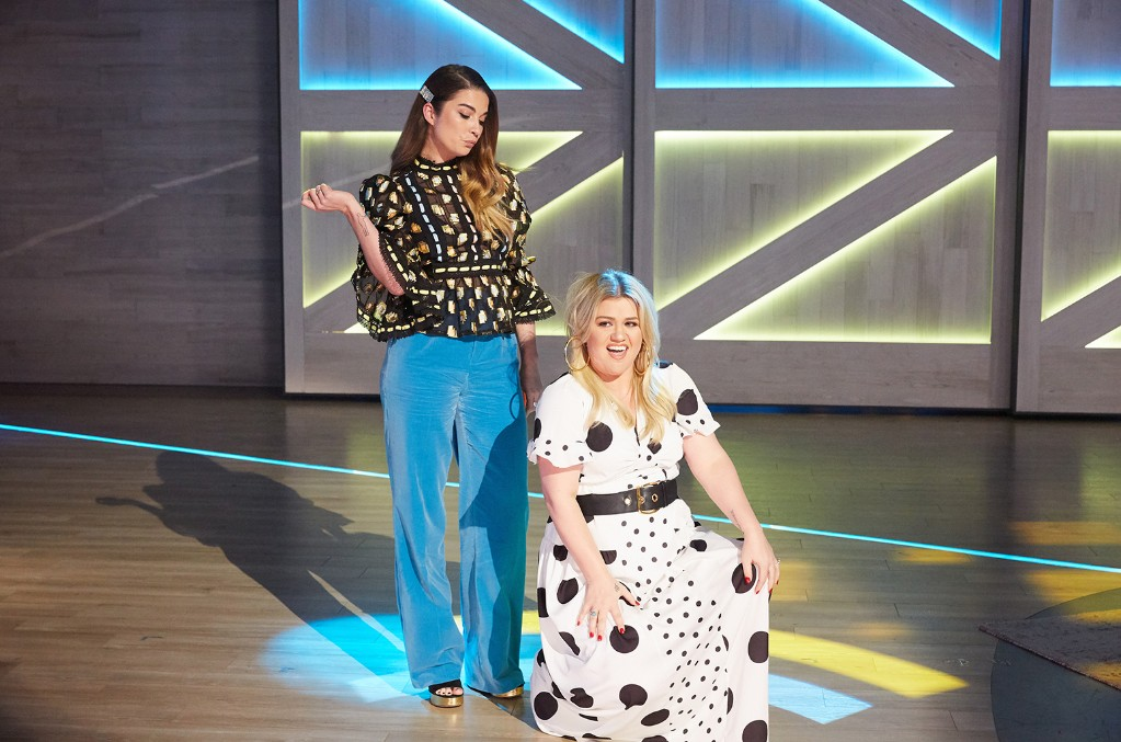 Annie Murphy and Kelly Clarkson