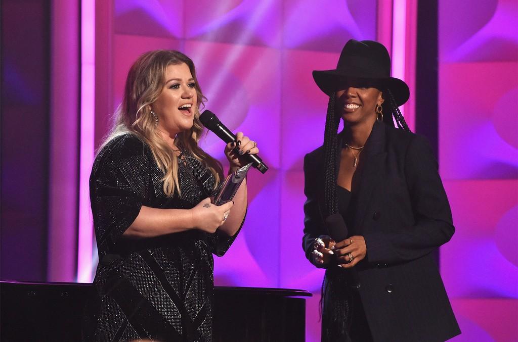 Kelly Clarkson and Kelly Rowland