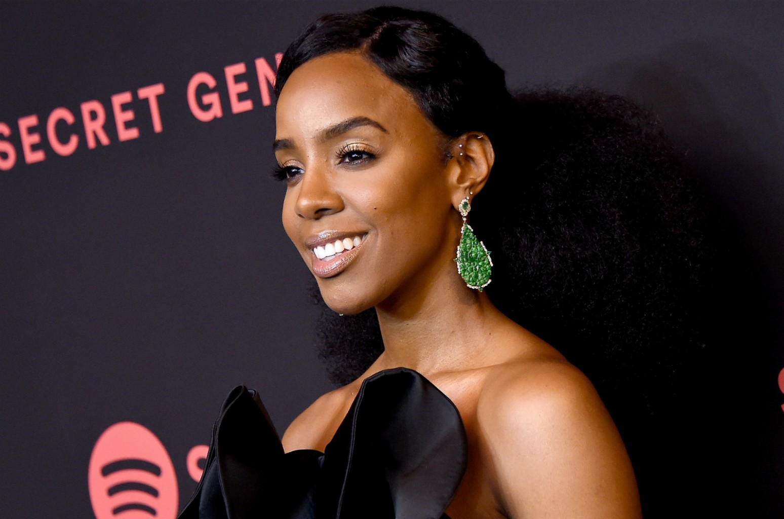 Kelly Rowland Releases New Track Kelly Billboard