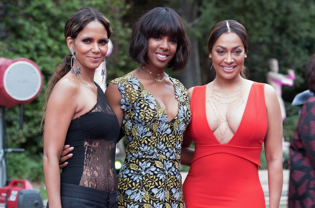 Halle Berry, Kelly Rowland and La La Anthony attend VH1's 2nd Annual 'Dear Mama: An Event To Honor Moms' on May 6, 2017 in Pasadena, Calif.