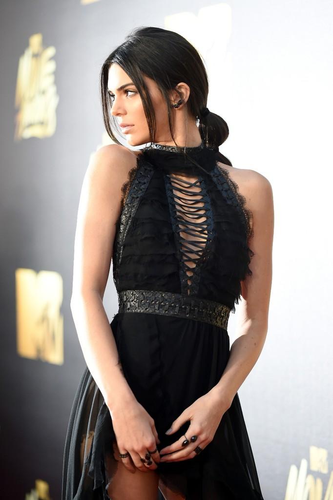 Kendall Jenner 2016 mtv movie awards