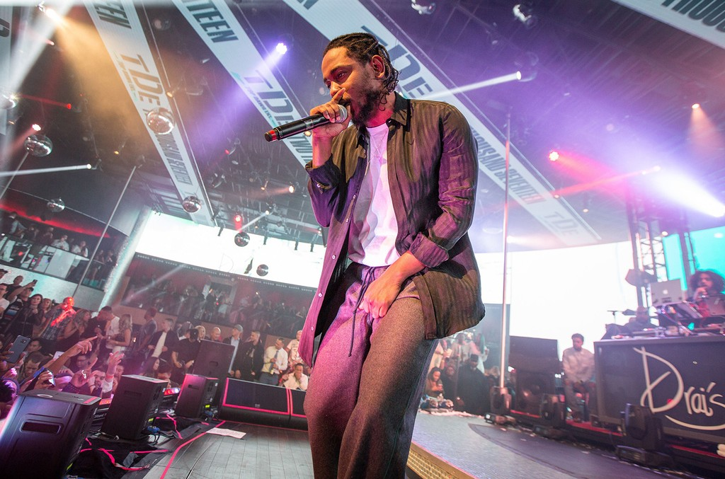 Kendrick Lamar performs at Drai's Nightclub in Las Vegas on Dec. 31, 2016.