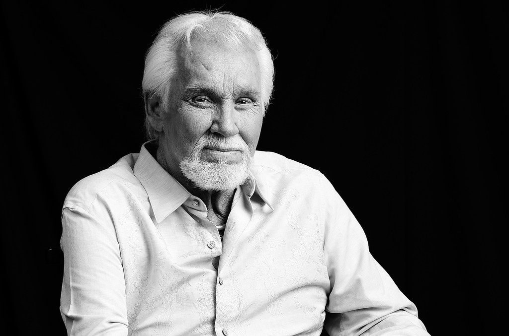 Kenny Rogers, Country and Pop Legend, Dies at 81 | Billboard