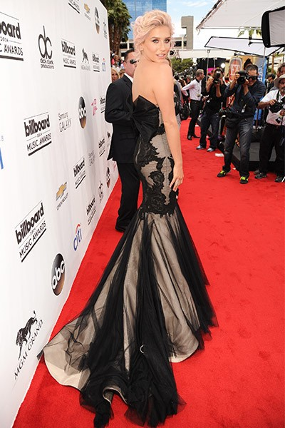 Kesha on the red carpet at the 2014 Billboard Music Awards