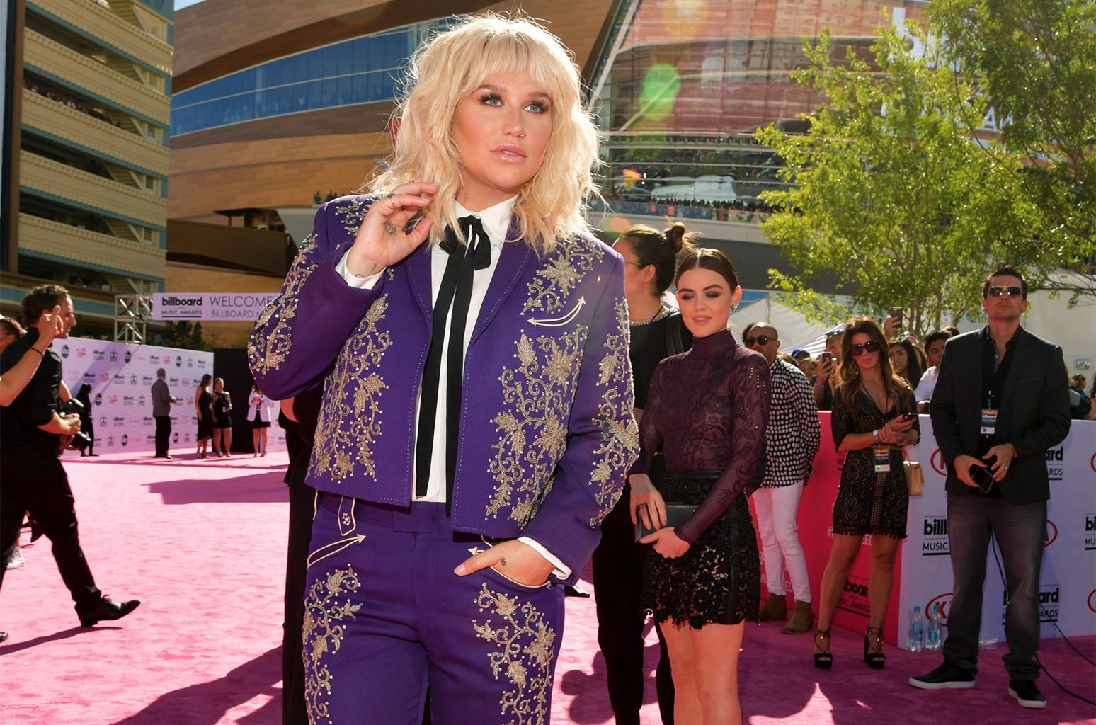 Kesha attends the 2016 Billboard Music Awards