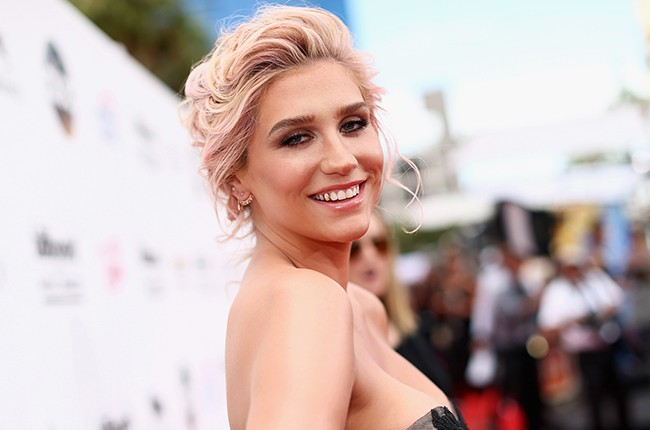 Kesha 2016