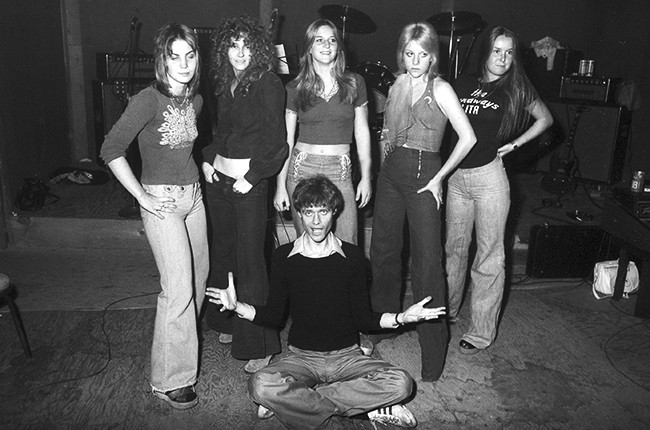 Kim Fowley with The Runaways in 1975