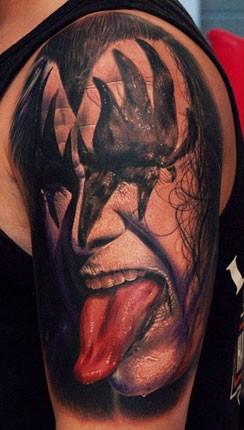 kiss-fan-tattoo-430
