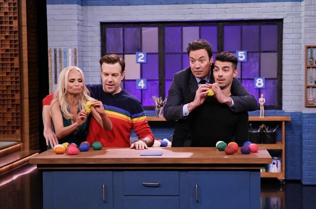 Kristin Chenoweth, Jason Sudeikis, Joe Jonas & Jimmy Fallon