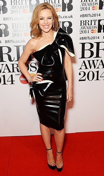 kylie-minogue-brit-awards-red-carpet-2014-600