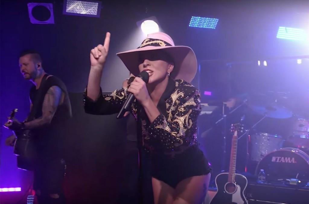 "Lady Gaga performs ""Million Reasons"""